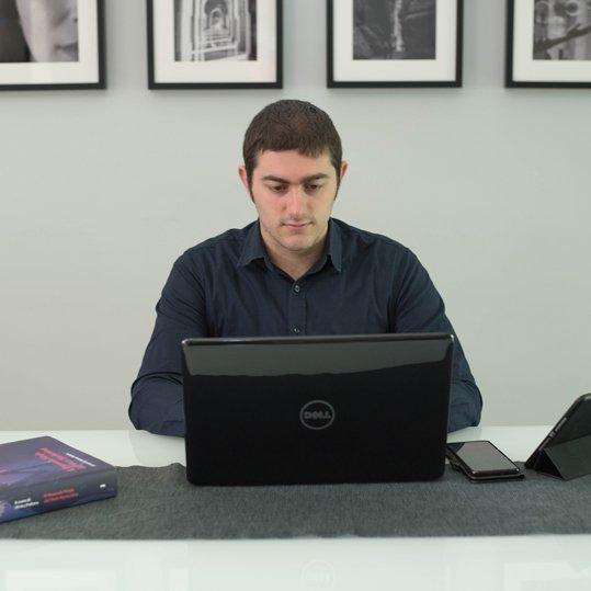 emanuele-paluzzi-web-designer-e-social-media-manager